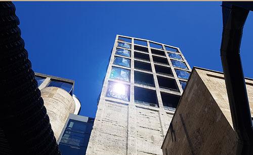 Zeitz MOCAA Fassade im Sonnenlicht