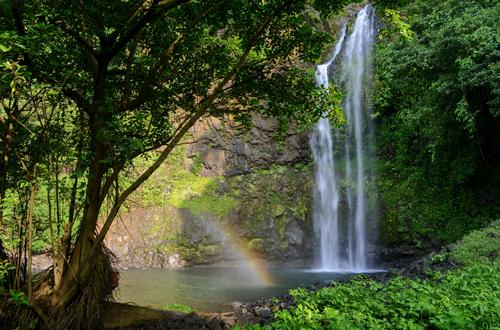 Afrikas geheimnisvolle Welten: Die Insel der Affen – Der Luara-Wasserfall auf der Insel Bioko © Tania Escobar/Doclight GmbH